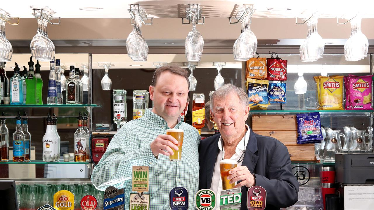 Millionaire businessman John Singleton recently purchased the Elanora Hotel at East Gosford. Pictured with manager Damien Cusick. Picture: Sue Graham.