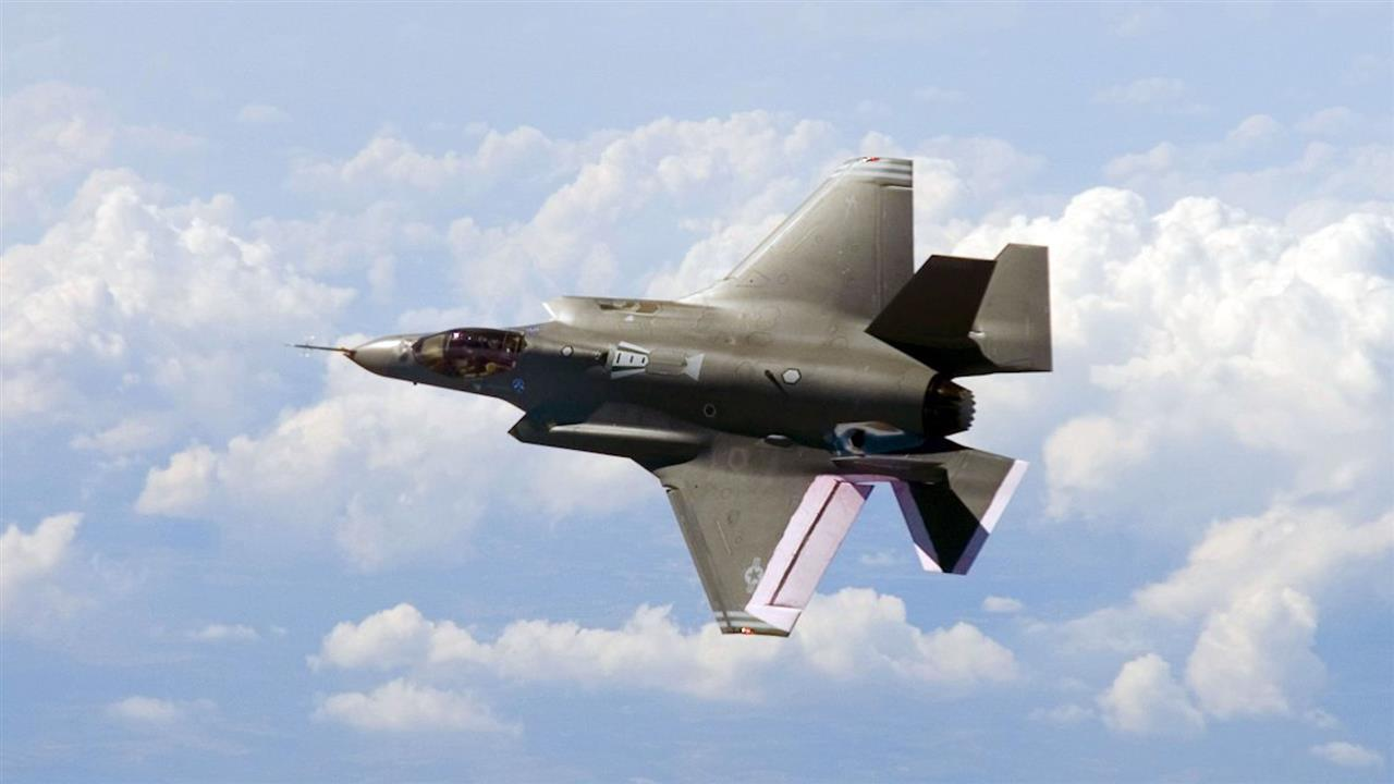Trump Takes Aim at Cost of F-35 Jet Fighter