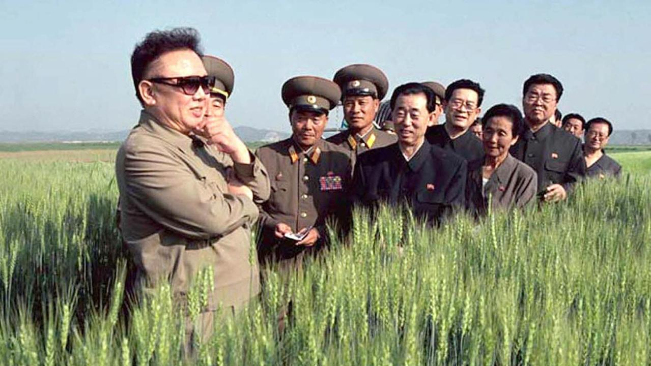 Former North Korea Supreme Leader, Kim Jong-il, unofficially holds the world golf record for the lowest round — 34.