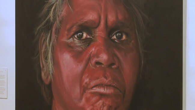 'Amazing woman': Newcomer wins people's Archibald for WA Aboriginal elder portrait