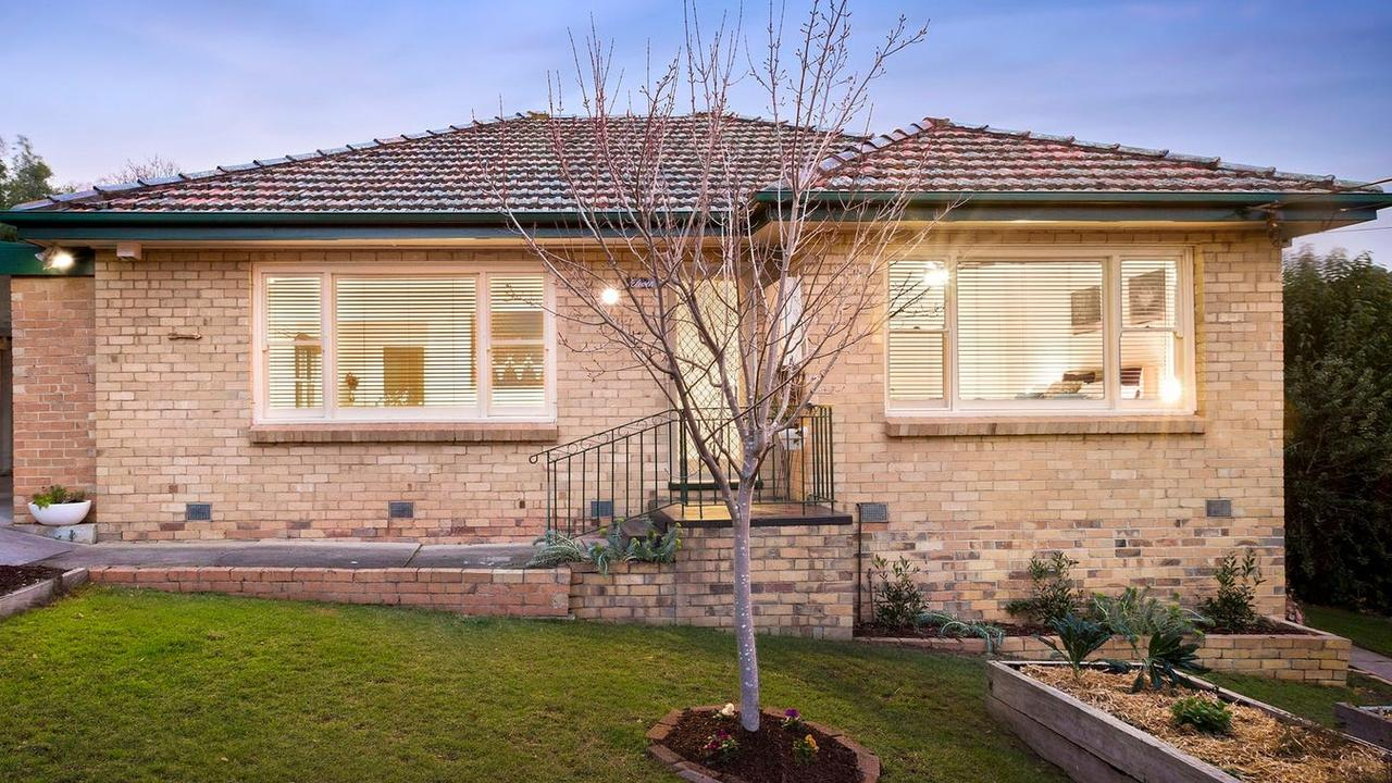 11 Maleela Grove, Rosanna, is for rent for $450 per week.