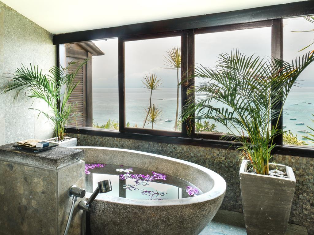 The Frangipani Villa Bathroom at Batu Karang Lembongan Resort & Day Spa.