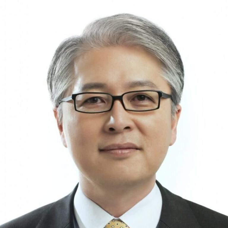 LG CEO Brian Kwon was formerly head of the mobile communications division.