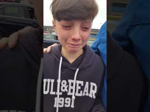 IRELAND: 12 Year Old Irish Boy Gets an Awesome Surprise at Airport April 05