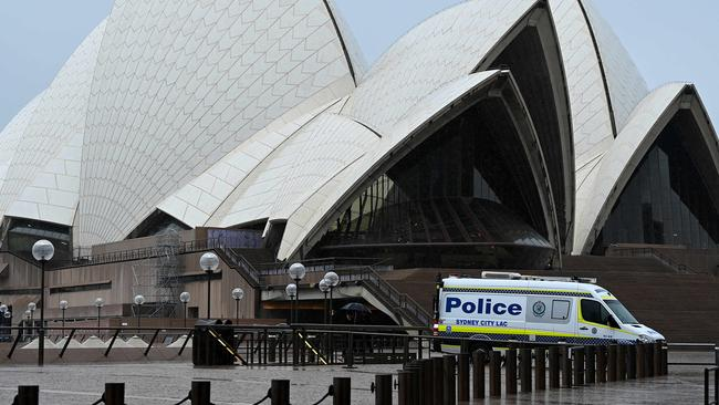 Desperate plea from small business owners 'drowning' amid Sydney Covid lockdown