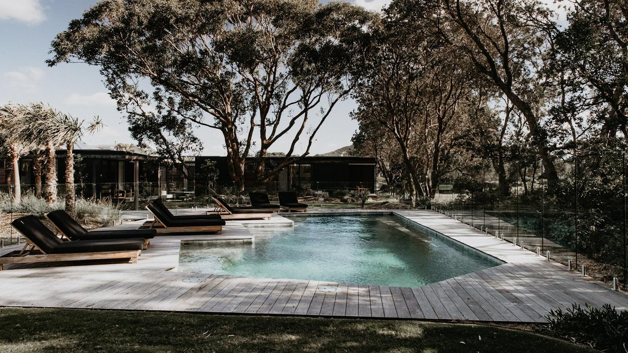 Supplied Travel ESCAPE_WHAT'S YOUR BUDGET_SHOALHAVEN_BANGALAY LUXURY  VILLAS_POOL_CREDIT: DAENA GERLYACH