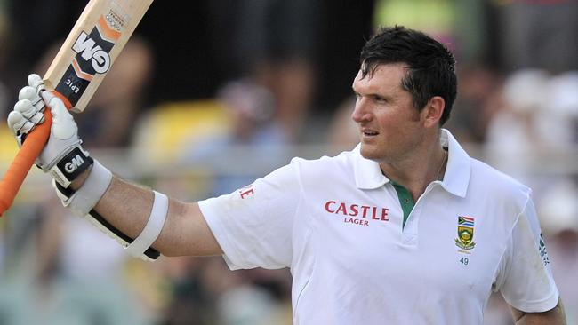 (FILES)-- A file photo taken on November 23, 2012 shows South Africa's batsman Graeme Smith celebrating his 100 runs against Australia on the second day of the second cricket Test match at the Adelaide Oval. Graeme Smith, the international game's longest-serving captain, announced on March 3 that he would retire from all international cricket after the current third Test against Australia at Newlands. AFP PHOTO / David Mariuz IMAGE STRICTLY FOR EDITORIAL USE - STRICTLY NO COMMERCIAL USE Picture: Afp
