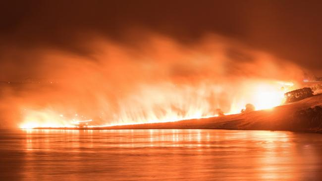 Fire from Camperdown and Lake Gnotuk. Picture taken around 2 am 18 March 2018. Picture: Oat Vaiyaboon