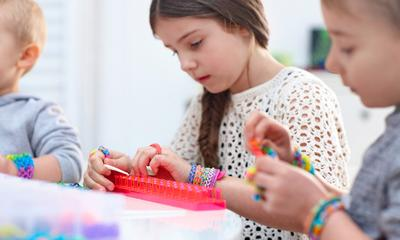 Kids @ Home: Friendship bracelets made easy