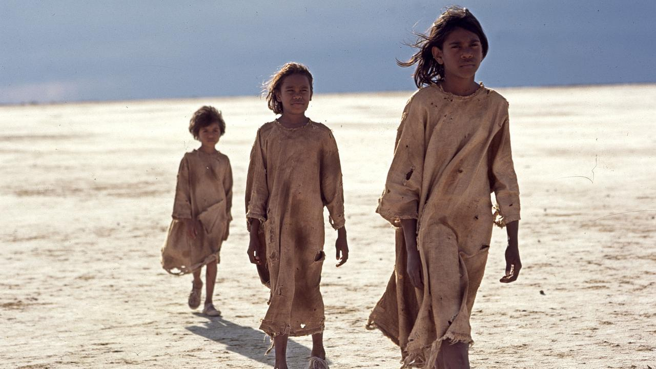 "Scene from film ""Rabbit Proof Fence"". /Films/Titles/Rabbit/Proof/Fence"