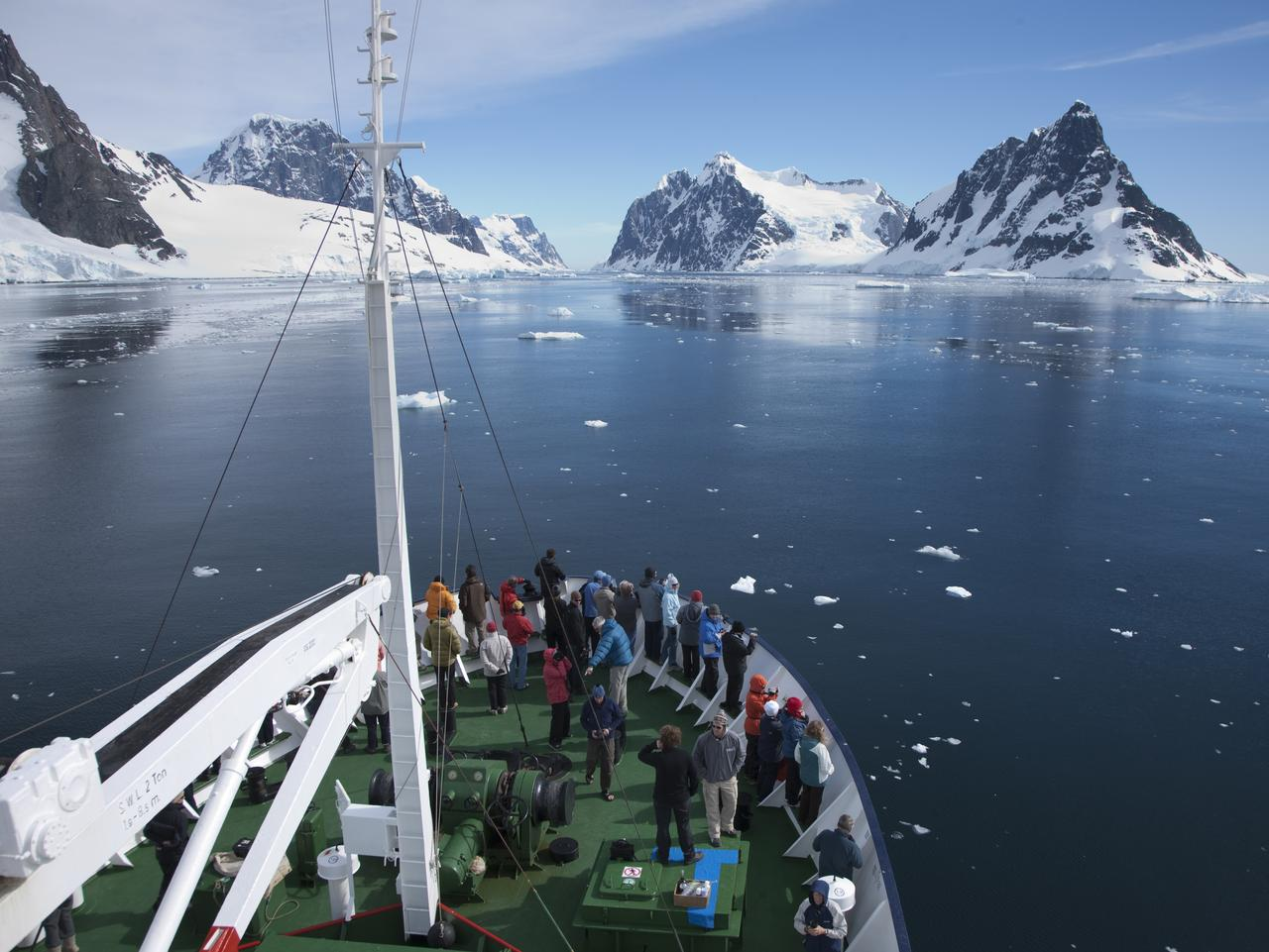 Cruising Antarctica on Polar Pioneer Aurora-Expeditions.