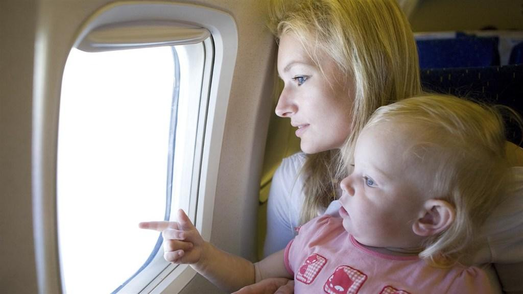 Secrets to (Sanely) Flying With Children