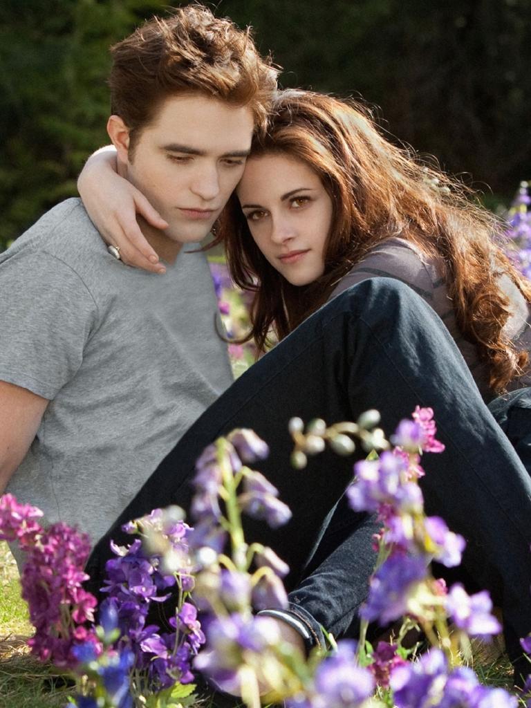 Edward and Bella.