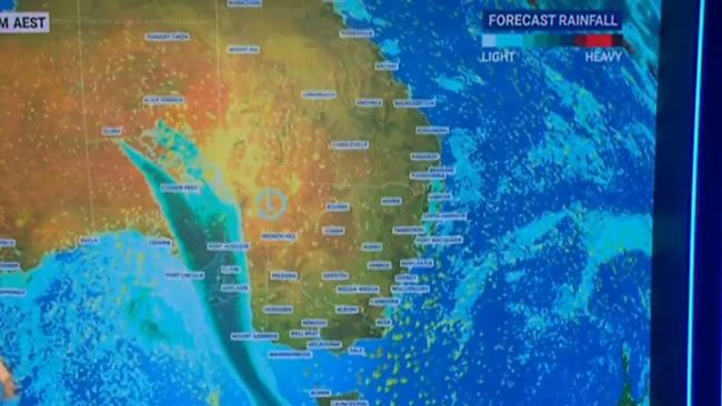 Dust storms, damaging winds on the way