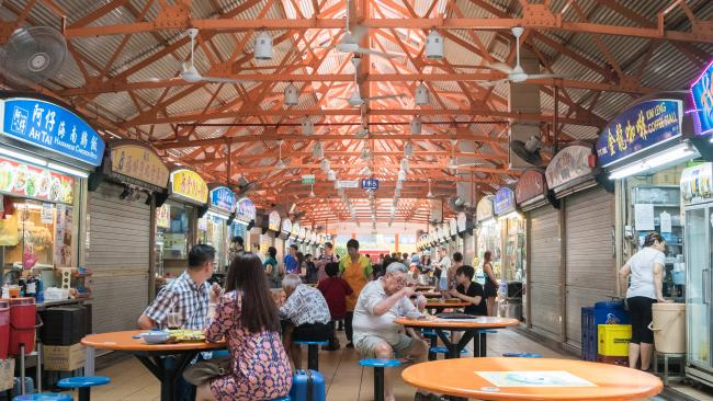 15/18 Be considerate A hawker centre is not a place to spend the day. Once you have finished eating, kindly clear your table for the next person.