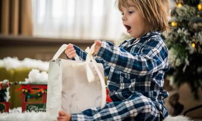 Do kids prefer material gifts or experiences for Xmas?