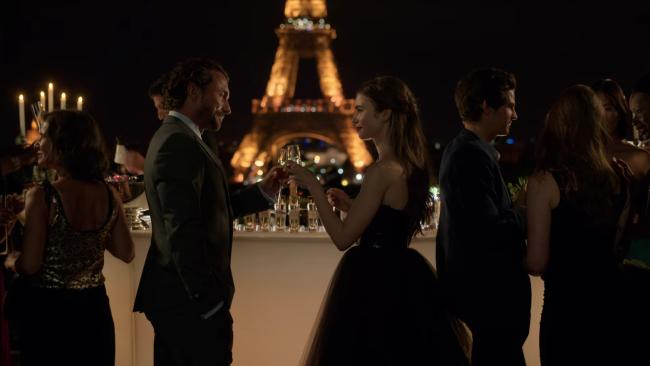 Le Café de L'Homme In the second episode, Savoir holds a rather fancy soiree at Café de l'Homme in Place du Trocadéro. This restaurant is well known for its unfettered views of the glittering Eiffel Tower. With meals ranging from an eye-watering AU$139 - AU$574, it is quite the fancy venue - but nothing can beat those views… especially when the tower sparkles on the hour. Picture: Netflix