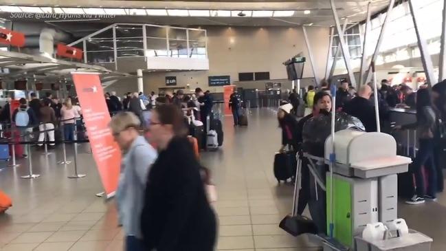 Flight delays at Sydney airport