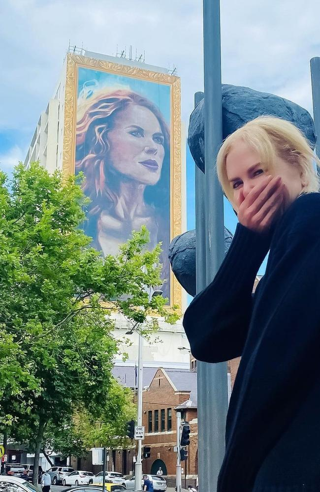 Nicole Kidman with her The Undoing mural that was painted in Kings Cross, Sydney, to celebrate the show on BINGE.
