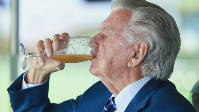 Former Australian Prime Minister Bob Hawke skolls a cold beer during day two of the Fifth Test match in the 2017/18 Ashes Series. Picture: Mark Evans/Getty Images