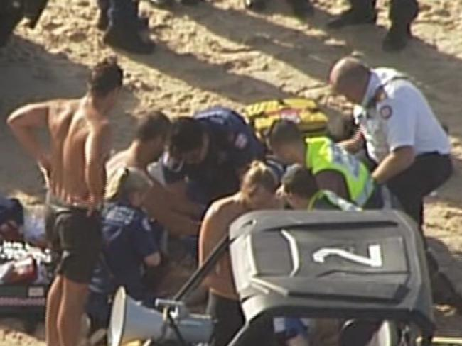 Man Drowns At Bondi Beach Woman Also Pulled From Water Daily Telegraph