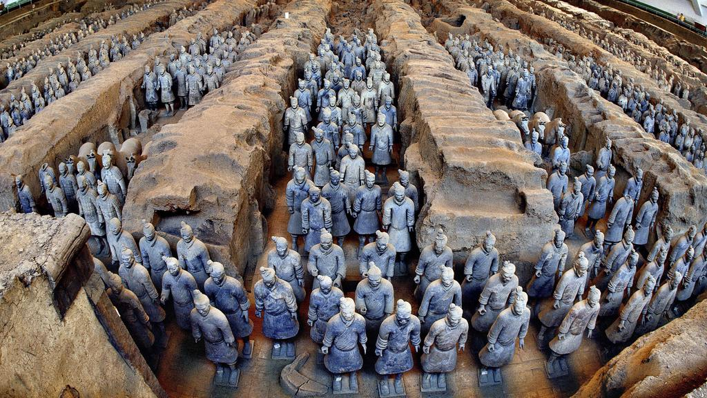 1706a8e99 The terracotta army on display at Emperor Qin Shihuang's Mausoleum Museum  Site, in China.
