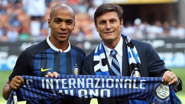 Inter Milan won the race to sign Sporting midfielder Joao Mario.