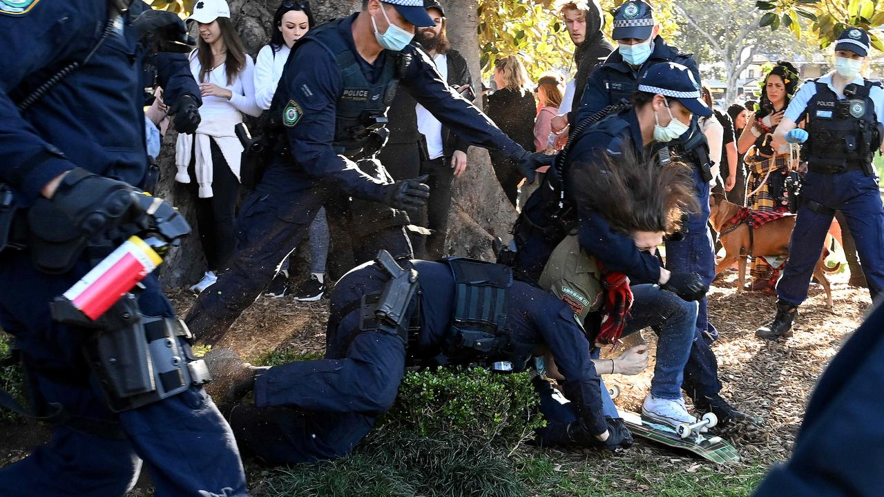 There will be a heavy police presence in the city this weekend and across Greater Sydney to ensure not rallies go ahead. Picture: NCA NewsWire/Bianca De Marchi