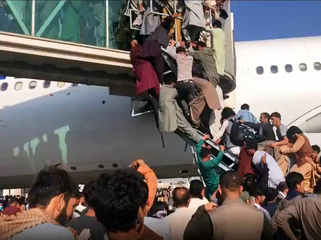 Afghan civilians are desperately trying to flee Kabul to escape the Taliban.