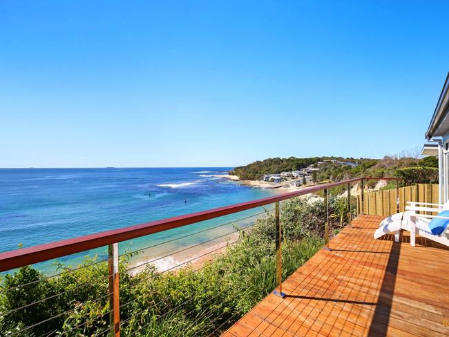 'Sea Shack' at 34 Bungary Road, Norah Head is advertised with Central Coast Holidays.