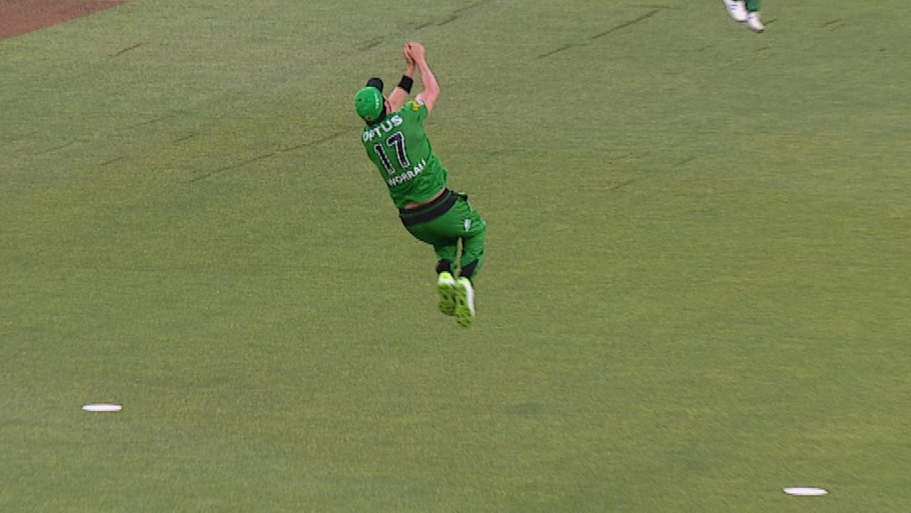 Daniel Worrall produced a stunning catch to dismiss Mitch Marsh.