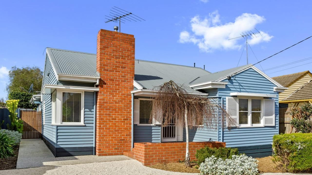 18 Torquay Rd, Belmont, sold for $752,000 at auction.