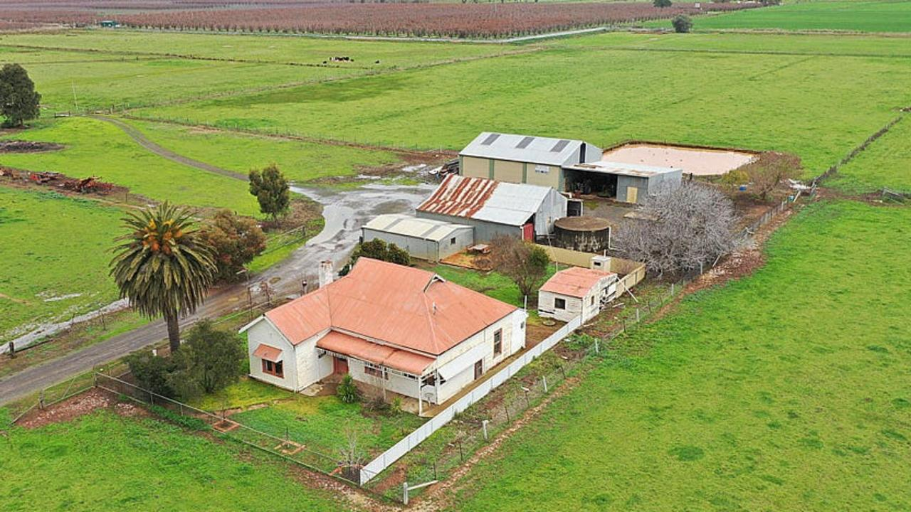 The online auction of 485 Ardmona Rd, Ardmona, will go ahead this Friday.