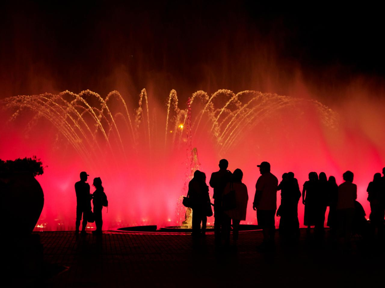 Tourists at the Magic Fountain at the Magic Water Circuit (world's largest fountain complex), Park of the Reserve, Lima, Peru, South America