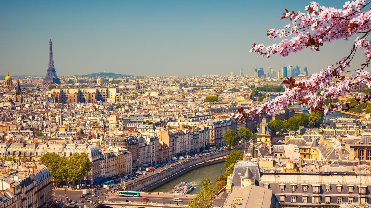 Paris Best Things To See Promenade Plantee The Original High Line Walk Escape Com Au