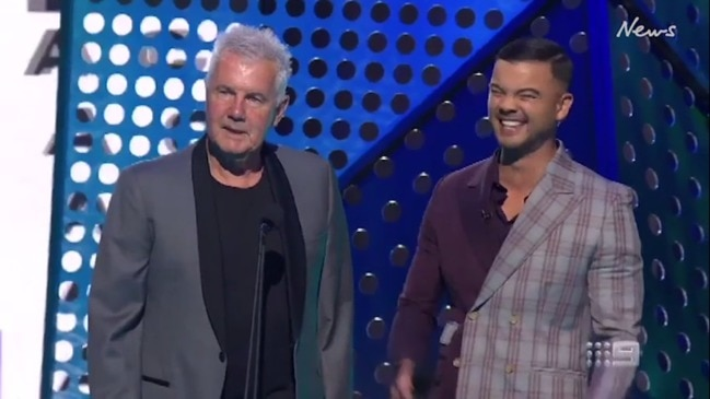 Guy Sebastian's cringe worth jokes to Daryl Braithwaite (Nine)