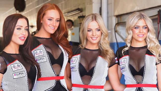 Rocking grid girls