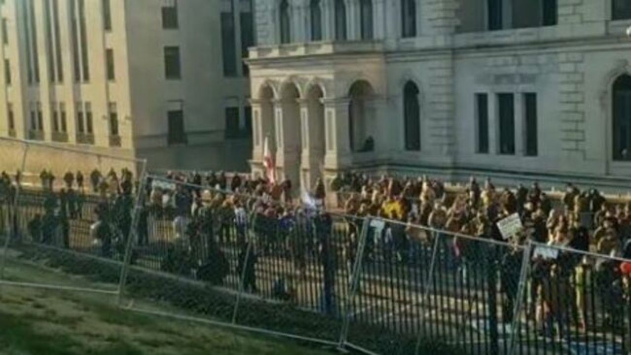 Crowds Gather in Richmond for Gun Rights Rally
