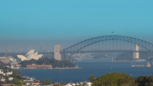 Sydneysiders wake to smoke on Monday. Picture: Julian Andrews