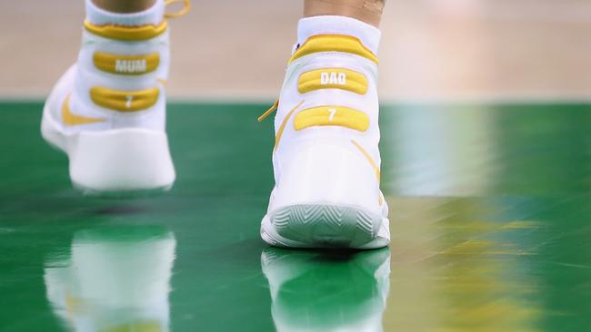 Mum and Dad are seen written on the shoes of Penny Taylor.