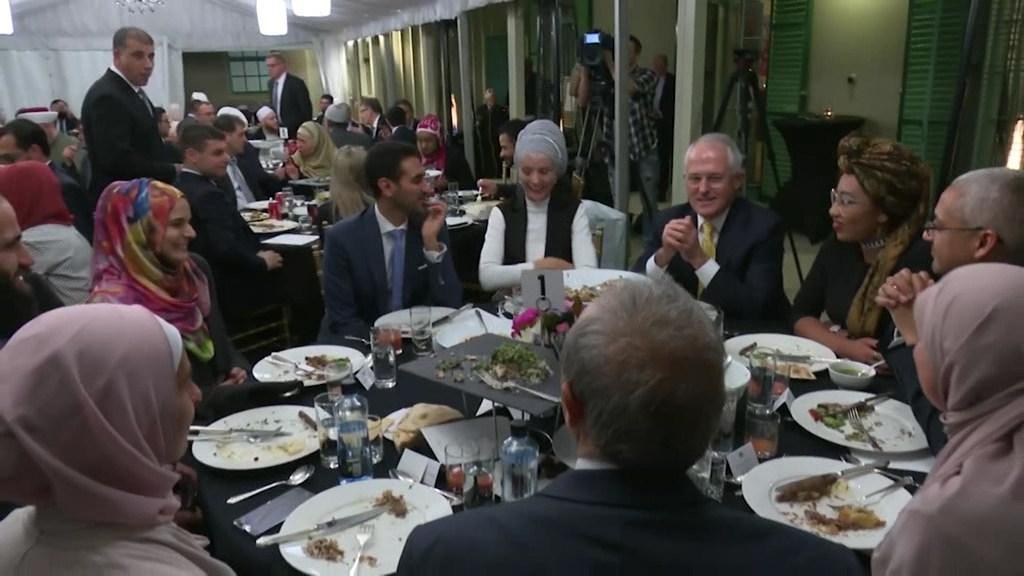 Malcolm Turnbull hosts an Iftar dinner celebrating Ramadan at Kirribilli House
