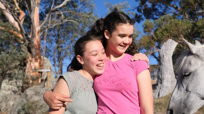 Aja and Ayumi Bailey win Pride of Australia Award for saving Dad's life