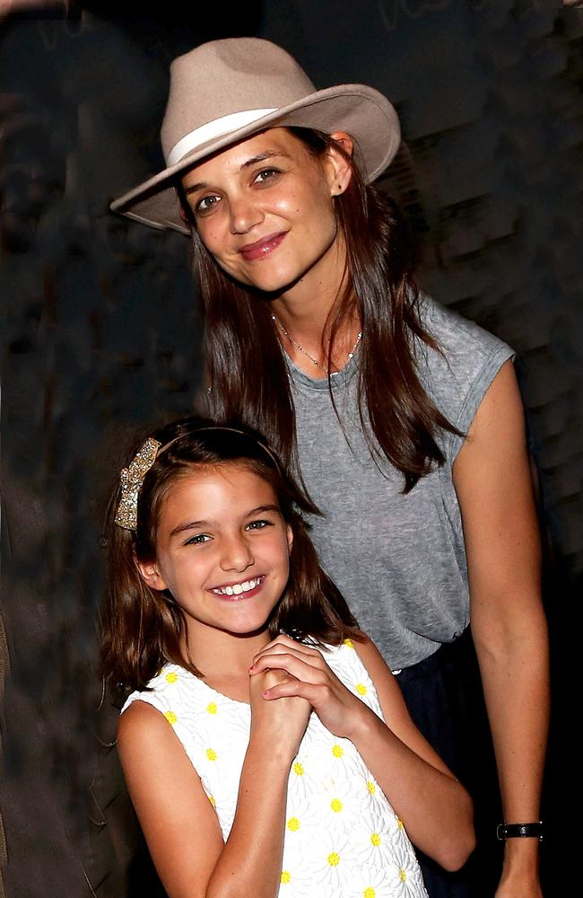 Suri Cruise and mother Katie Holmes pose backstage at the hit musical Finding Neverland on Broadway in 2016