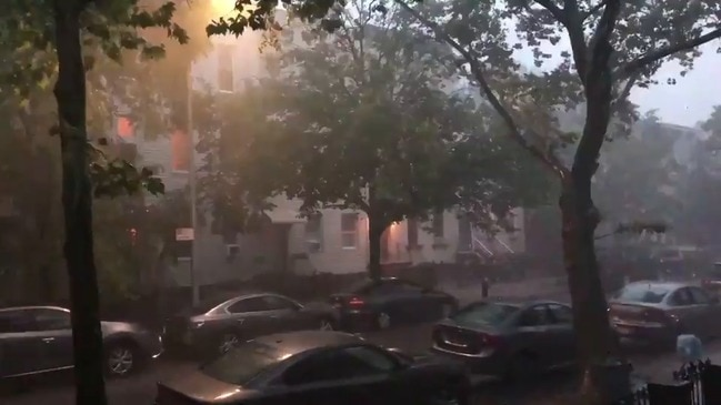 Powerful Thunderstorm Rolls Through Brooklyn