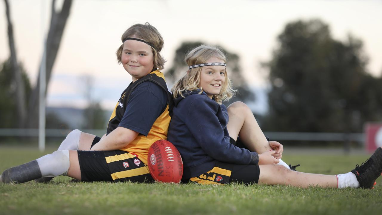 Aldinga junior footballer plays with stumps after having feet amputated
