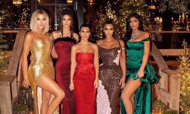 Fans point out hilarious mistake in Kardashian Christmas card