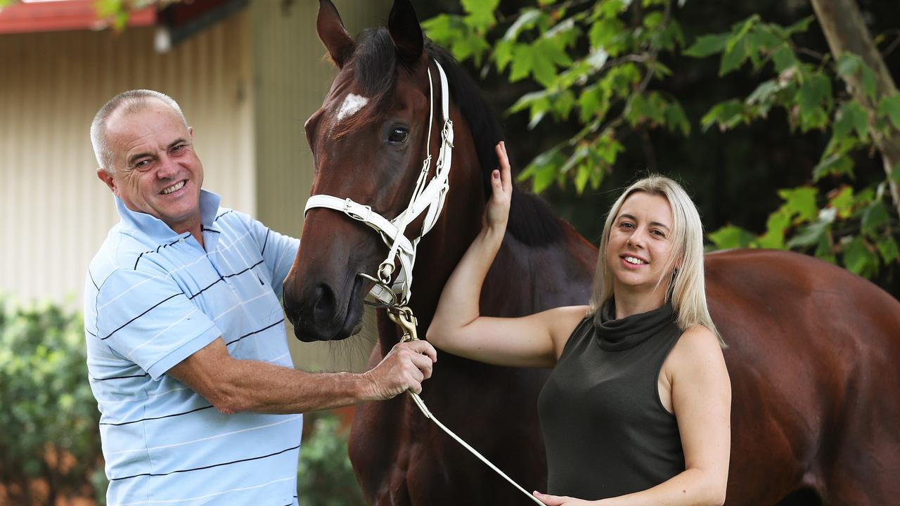 Pic of trainer Lee and Cherie Curtis with Lasqueti Spirit