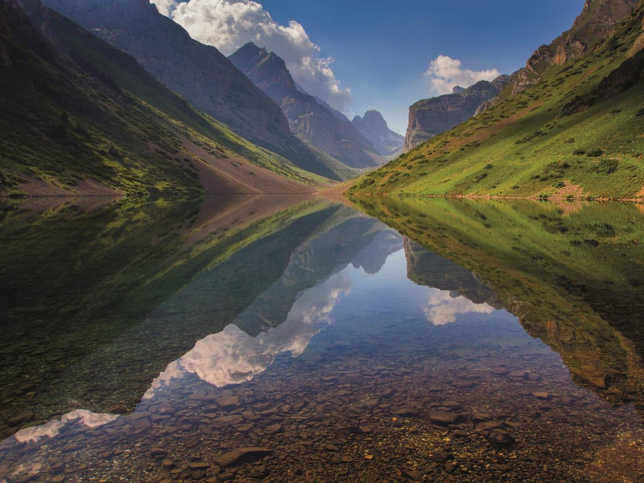 Köl-Tör lake is set amid supreme mountain terrain. Picture: Anton Agarkov / 500px