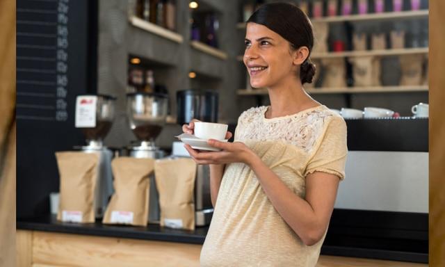 pregnant woman coffee
