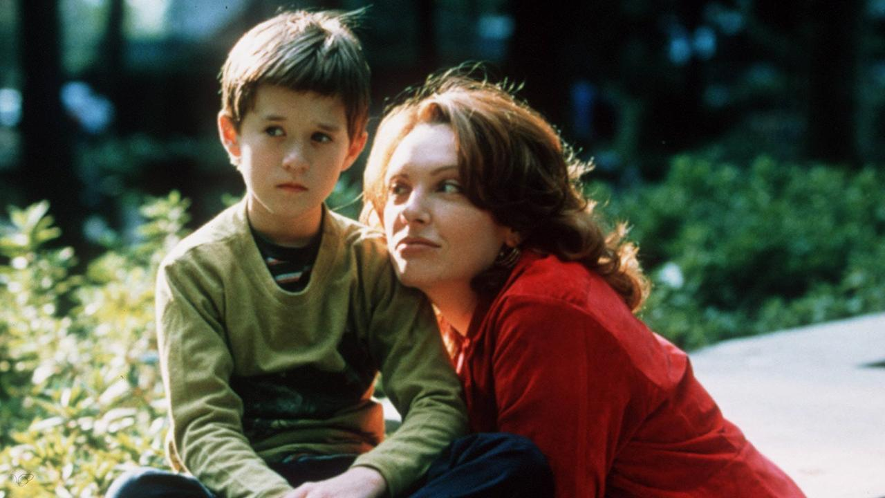 Haley Joel Osment with Toni Collette in The Sixth Sense.